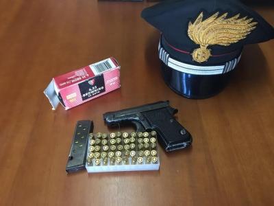 Armi, due arresti dei carabinieri a Cessaniti. Le operazioni della Compagnia di Vibo