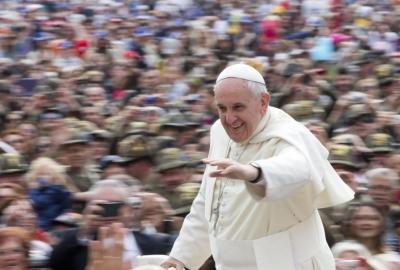 I lavoratori vibonesi in udienza in Vaticano. Il Papa: 'Lottiamo per la giustizia del lavoro'