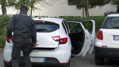Sequestrati 14 autoveicoli, erano intestati ad una persona già condannata per ricettazione