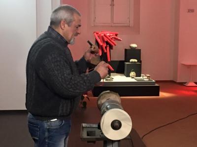 Vibo, le pipe del maestro Vincenzo Grenci protagoniste al Limen Design e Architettura