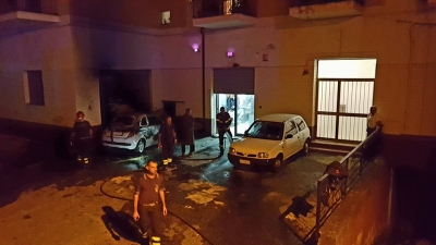 Auto in fiamme a Pizzo