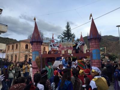 Gerocarne, la soddisfazione del sindaco Papillo: 'Un Carnevale all'insegna dell'unità' – LE FOTO
