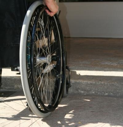 Serra, i fondi per i disabili e le promesse (mancate) del sindaco Rosi